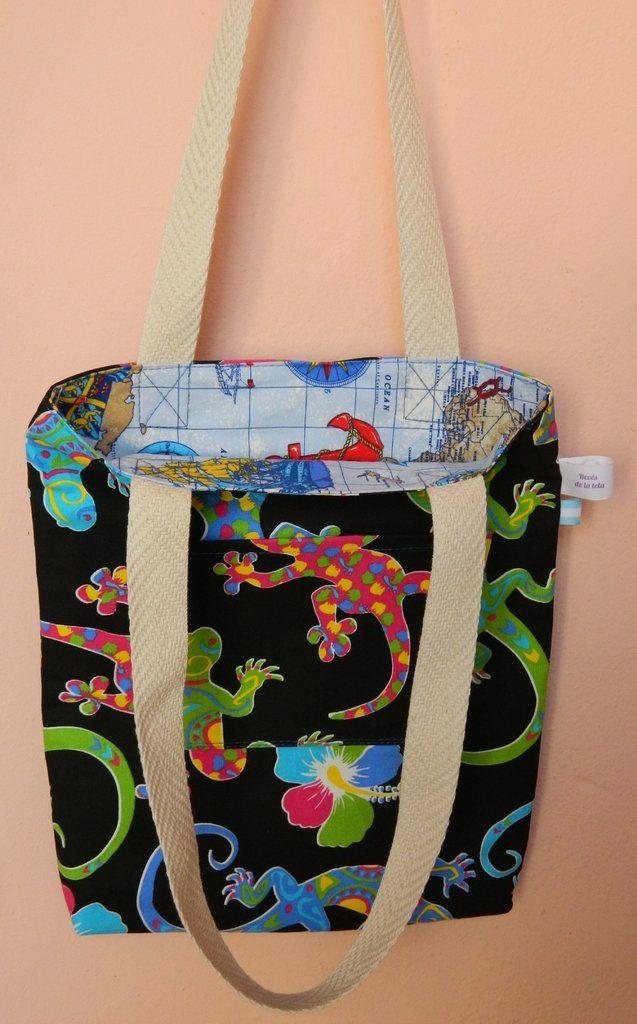 ¡Mirá nuestro producto! Si te gusta podés ayudarnos pinéandolo en alguno de tus tableros :) Bolsa Reversible. 30x35x3 cm.