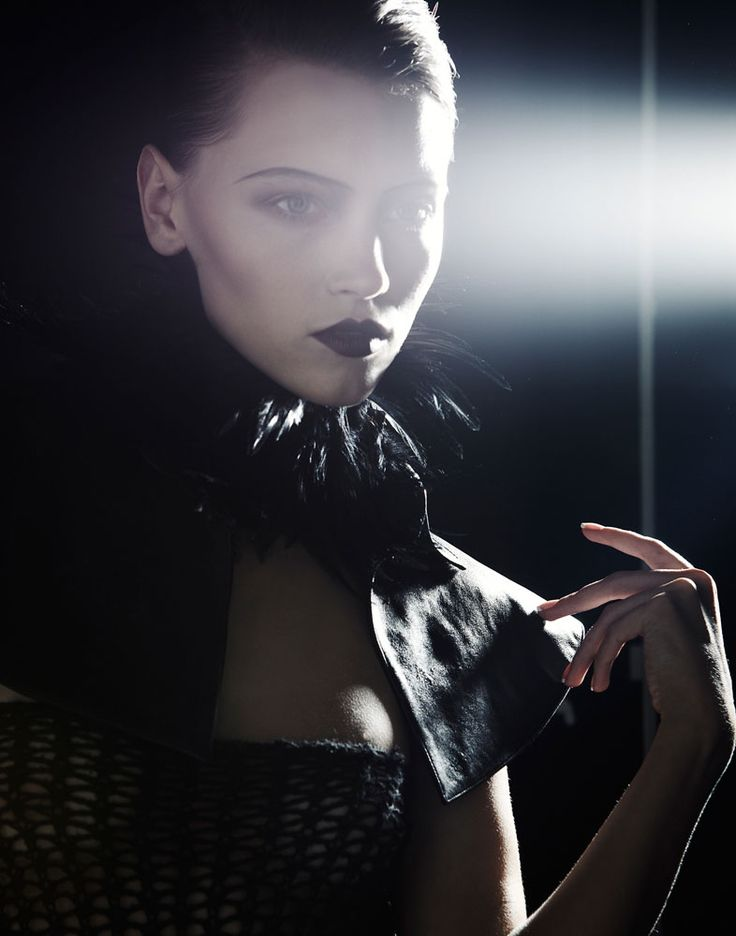 Mila Krasnoiarova / Photo: Hugo ArturiInspiration Beautiful, Photographers Hugo, Dark, Mila Krasnoiarova, Baroness, Hugo Arturi, Fashion Photography, Black, Gothic Fashion