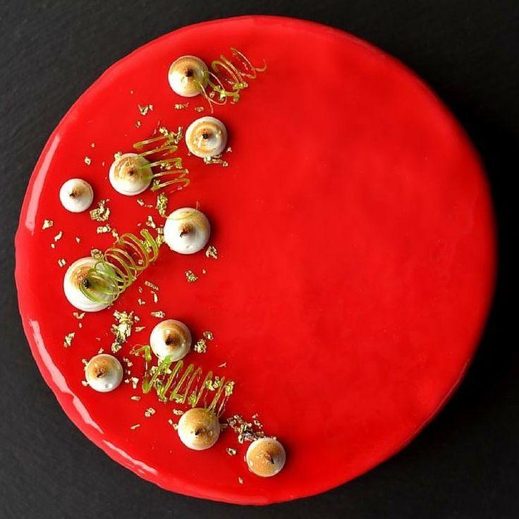 cake it easy meringue kisses read more and mirror. Black Bedroom Furniture Sets. Home Design Ideas