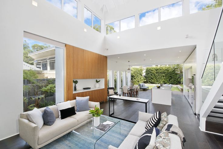 19 Roslyndale Avenue, Woollahra NSW 2025 a 4 bedroom, 2 bathroom house sold for $3,710,000 on 2018-03-07T19:35:35.017. View listing details #2014231303 on Domain