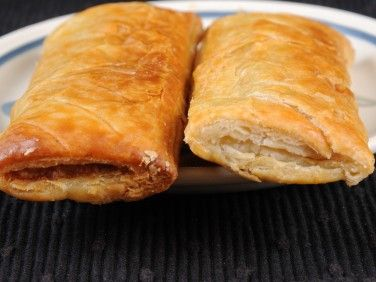 how to cook frozen sausage rolls