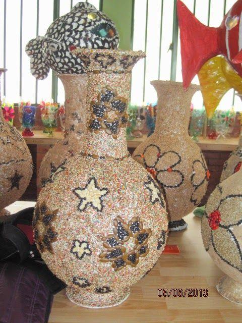 Jarrones de papel decorados buscar con google jarrones - Como decorar jarrones de vidrio ...