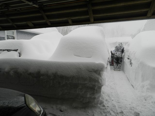 buffalo lake effect snow 2014 | PHOTOS: Lake Effect snow dumps feet of snow in westhern NY