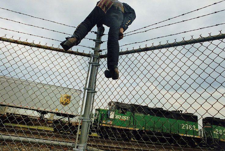 Обратная сторона американской мечты. Майк Броди | Brick - журнал о настоящем искусстве
