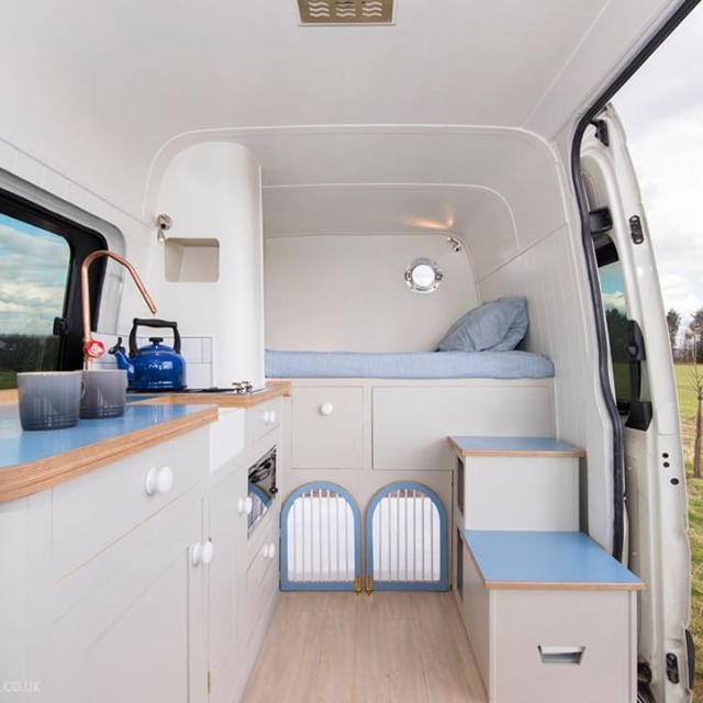 Medium Wheelbase Vw Crafter Camper Van Conversion Incorporating 2 Dog Kennels Guest Bed And 3 Swivelling Belted Seats Vw Ca Vw Crafter Volkswagen Interior