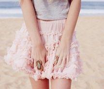 Вдохновляющая картинка мило, мода, девушка, розовый, юбка. Разрешение: 500x332. Найди картинки на свой вкус!