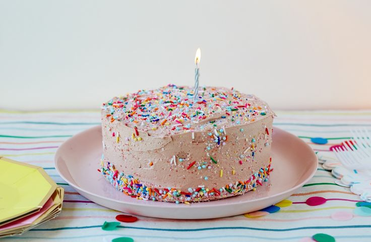 How To Make Classic Birthday Cake — Baking Lessons from The Kitchn #recipes #food #kitchen