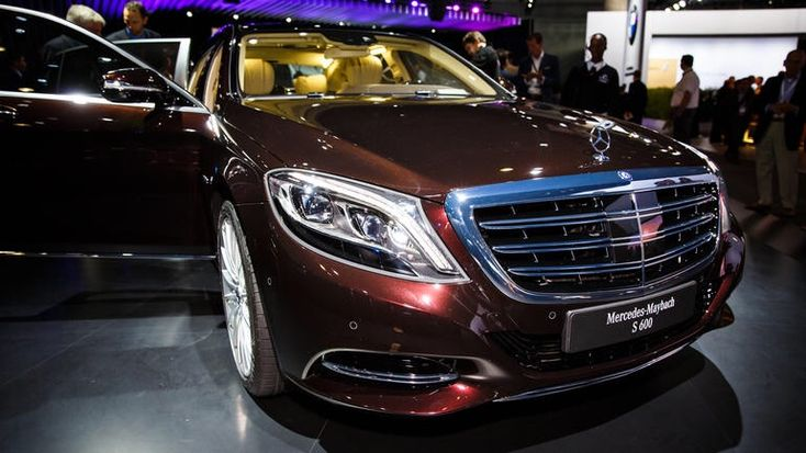 #Mercedes #Maybach Not Recognized as Direct Competitor by #RollsRoyce http://www.benzinsider.com/2015/02/mercedes-maybach-not-recognized-direct-competitor-rolls-royce/