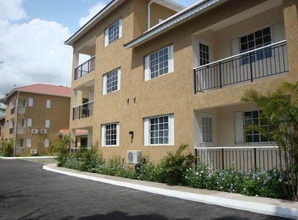 Unfurnished Ground Floor One Bedroom One Bathroom Apartment With Major Appliances In Wellington Landing The Unit Has Ai House Styles Common Area Ground Floor