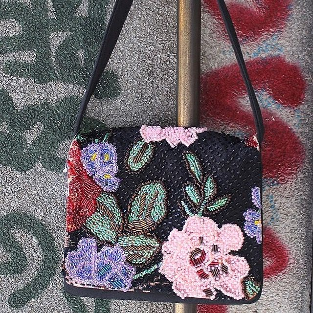 Vintage purse @froufroubrecho