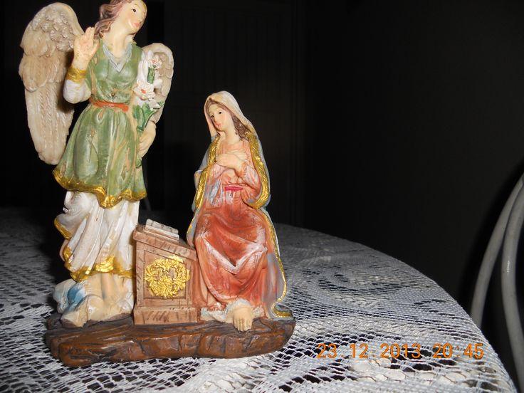 La Anunciación del Arcángel San Gabriel a la Santísima Virgen María.
