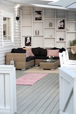 ♥ really cool idea framing the side wall - great visual