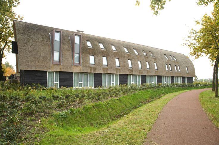 perfetto equilibrio tra #architettura e #natura grazie al sistema di #finestre FAKRO per il Gasterij De Roode Schuur Hotel