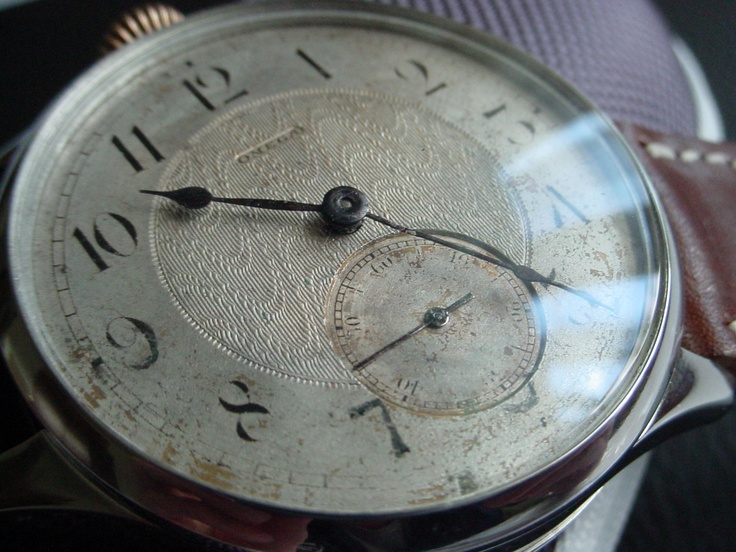 The original Omega dial from between 1908 and 1912 ...