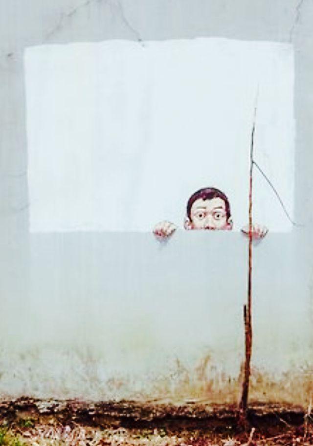 Earnest Zacharevic http://restreet.altervista.org/ernest-zacharevic-street-artist-che-unisce-reale-e-irreale/