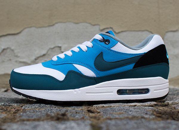 Nike Air Max 1 Essential White Blue (2014) | Nike air max, Nike ...