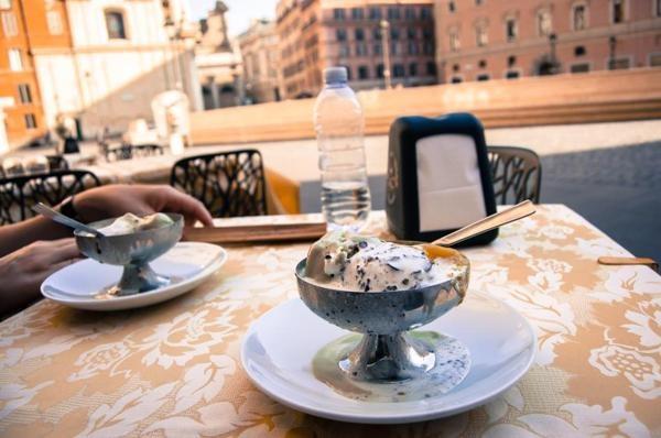 Venice & Rome by Ira Korshak, via Behance