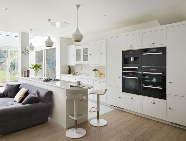 Harvey Jones Linear Kitchen Painted In Dulux 39 Swedish White 39 Kitchen