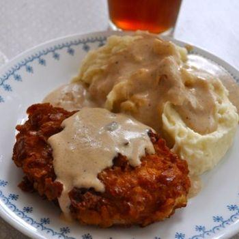 Crispy breaded pork chops with milk gravy : southernplate
