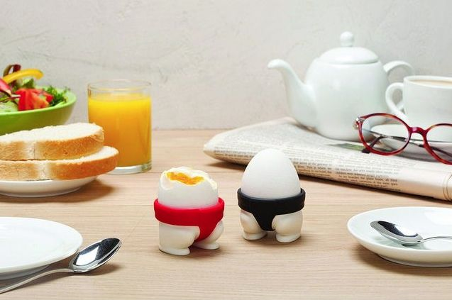With Sumo Eggs you can start a little - but tasty - food fight of your own. And remember, the winner breaks it all!