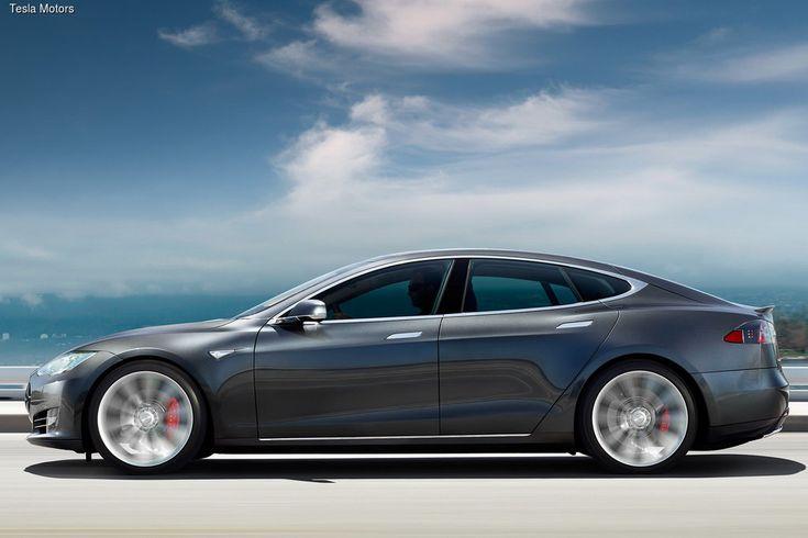 Электромобили Tesla смогут проезжать 600 км без подзарядки