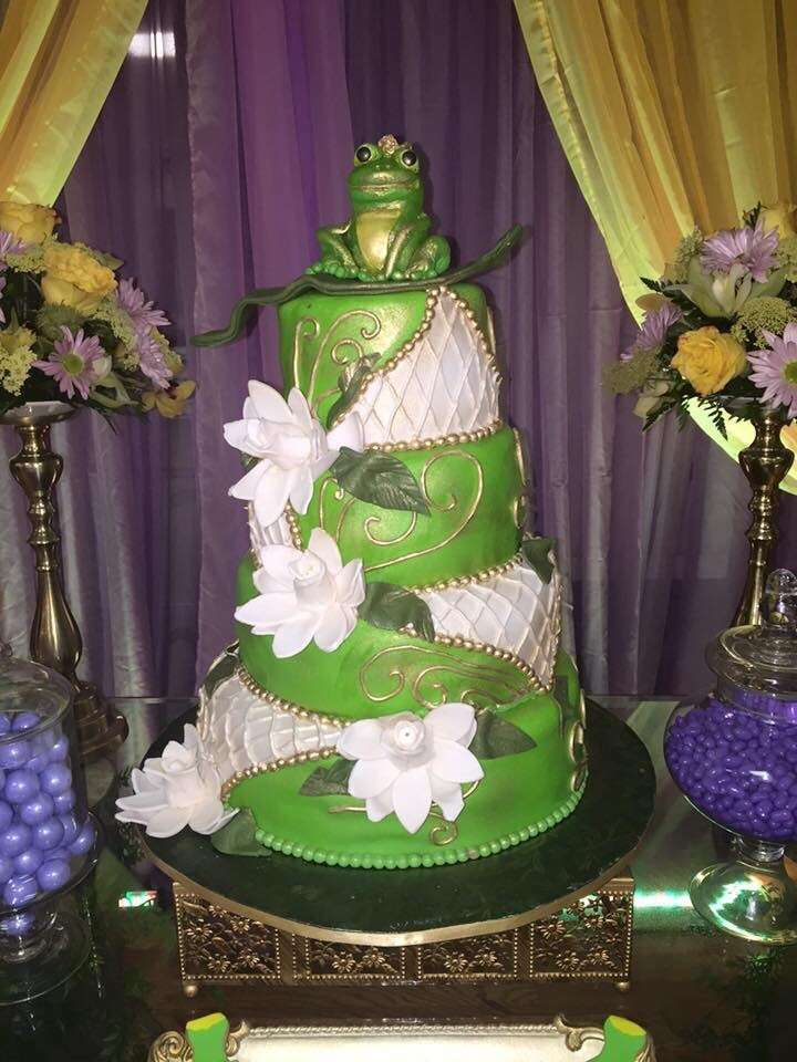 61 best Tiana cake and dresses images on Pinterest | Frog princess ...