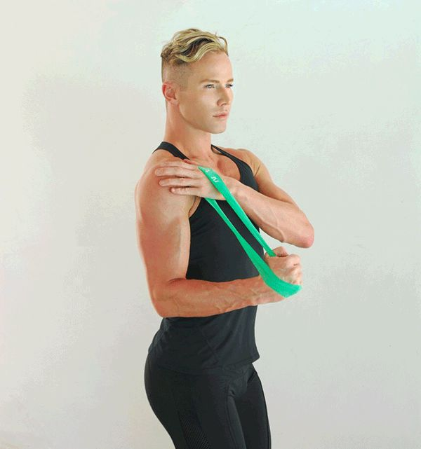 Exercise Bands Exercises Arms: Best 25+ Stretch Band Exercises Ideas On Pinterest