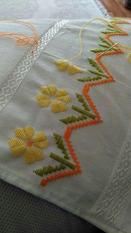 Bordado flores amarillas