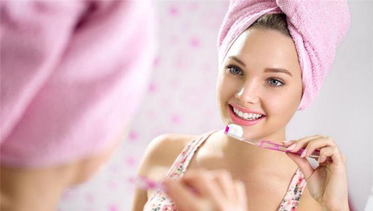 Eláruljuk a természetes fogfehérítés titkát, megtudhatod, hogyan teheted tökéletessé a mosolyodat vegyszerek nélkül!