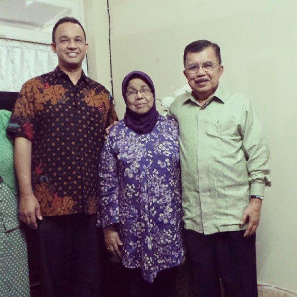 @Jusuf Kalla berta'ziah ke ayahanda @aniesbaswedan Dr.Aliyah AR Baswedan Yogyakarta 17/9/13