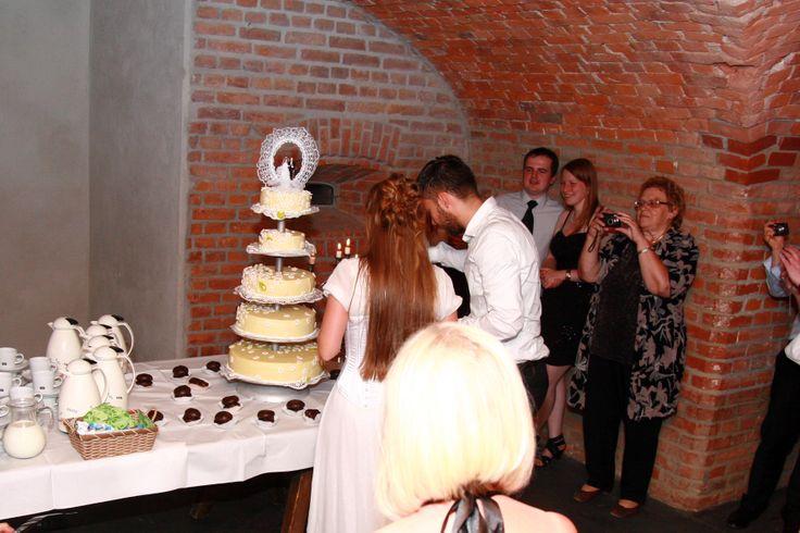 riesige Hochzeitstorte