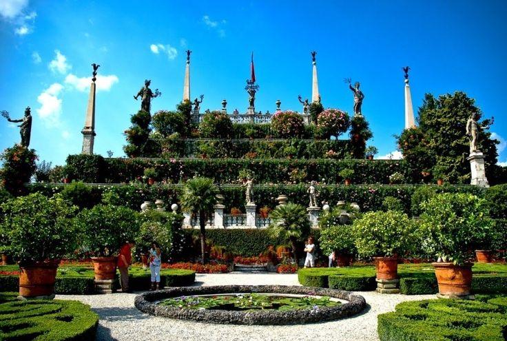 Isola Bella, Lago Maggiore, Italy, blog.topitalytrav... #wonderfulgardens #amazingview #specialplaces #bestofItalyhttp://blog.topitalytravel.com/wp-content/uploads/2015/06/11.The-Garden-of-Isola-Bella.jpg