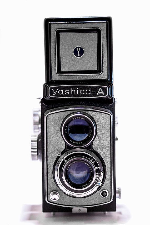 Yashica A Grey 6x6 120 TLR Twin Lens Reflex por CameraCollection