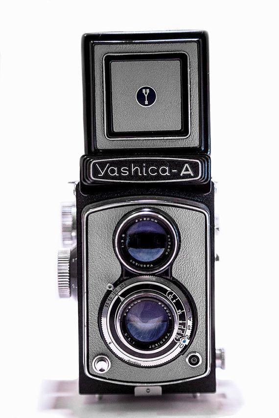 Yashica A Grey 6x6 120 TLR Twin Lens Reflex por CameraCollection