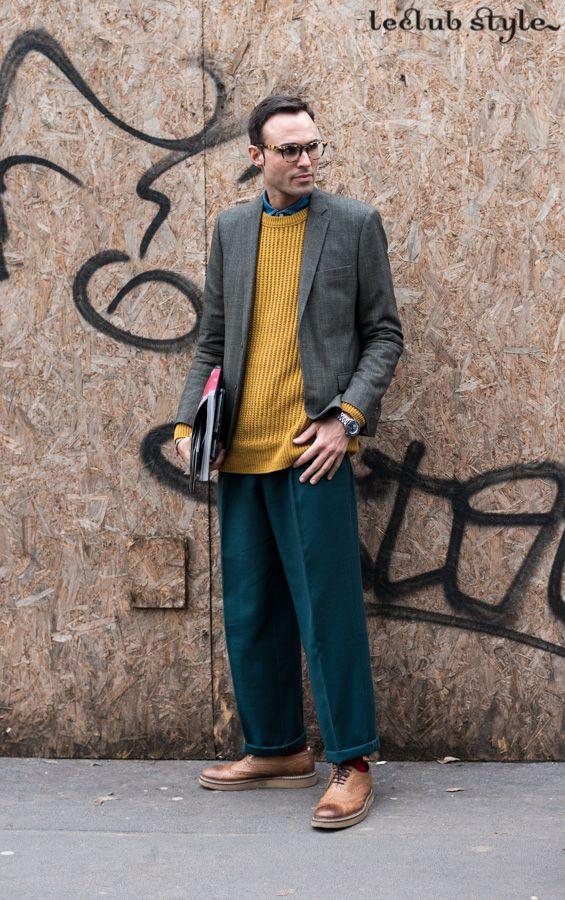 Menswear Street Style by Ángel Robles. Warm colors after Armani show, Milan Fashion Week.