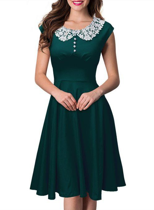 Green Vintage Dress with Lace Collar