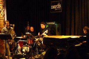 Jef Giansily Trio Nardis Nardis Jazz Club'da...  istanbul.net.tr