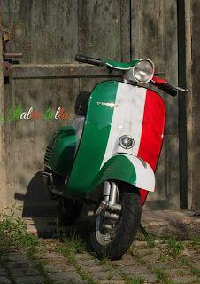Vespa - Italy #moto