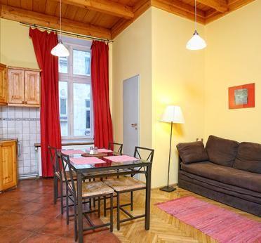 9A toroms leilighet + stue  #http://www.antiqueapartments.pl/no/extrooms || #hotell || #Krakow || #overnatting