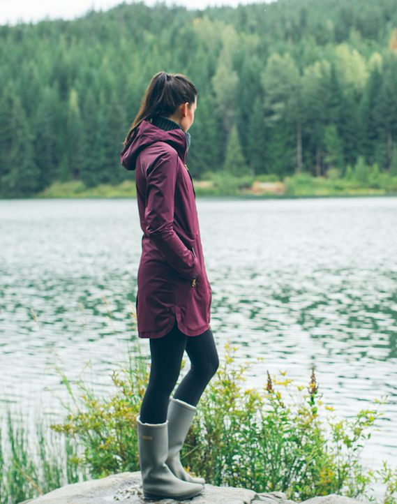 Face the rain and stay dry in this seam-sealed, waterproof jacket—no rain checks here.
