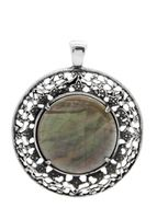 EN1099 - Mother of Pearl pendant with filigree edging