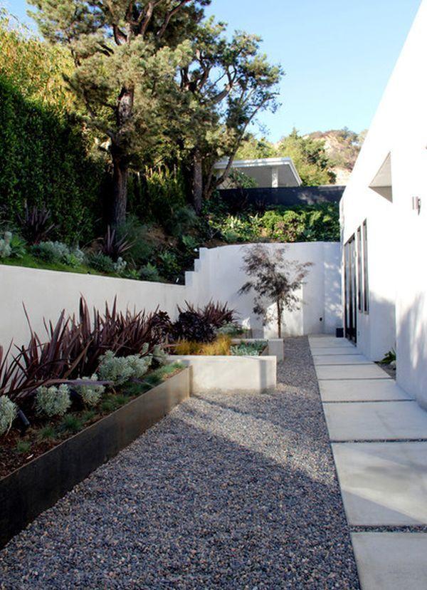 Aunque tu casa sólo tenga un patio pequeño puedes convertirlo en su pulmón verde, cultivar tus plantas favoritas e incluso tu pequeño huerto urbano.