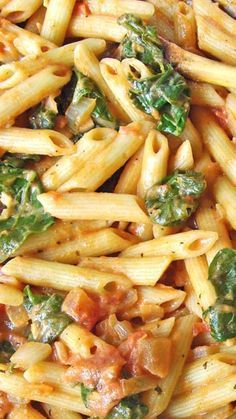 Spinach Tomato & Garlic Penne Pasta ~ a thick, hearty meal packed with flavor