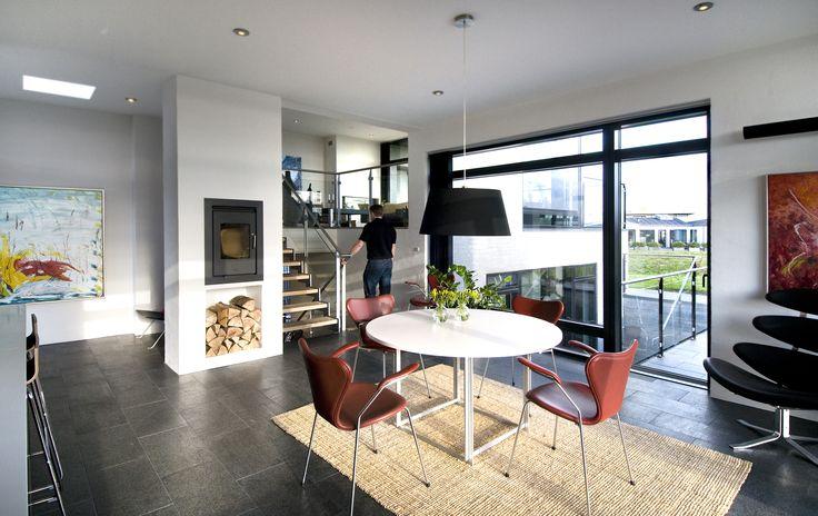 #Rais #Q-tee #Modern #Home #Design #Interior