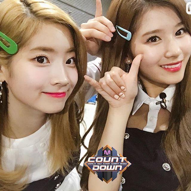 TWICE  SIGNAL  —  [#dahyun #다현 #sixteen #twice #트와이스 #once #jyp #jype #girlgroup #kpop #love #cute #eagle #f4f #likemore #nayeon #jihyo #sana #tzuyu #momo #jungyeon #mina #chaeyoung #girl #selca #tbt #twicejjang #prettydahyun]