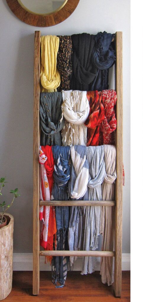 Half a ladder for scarfs