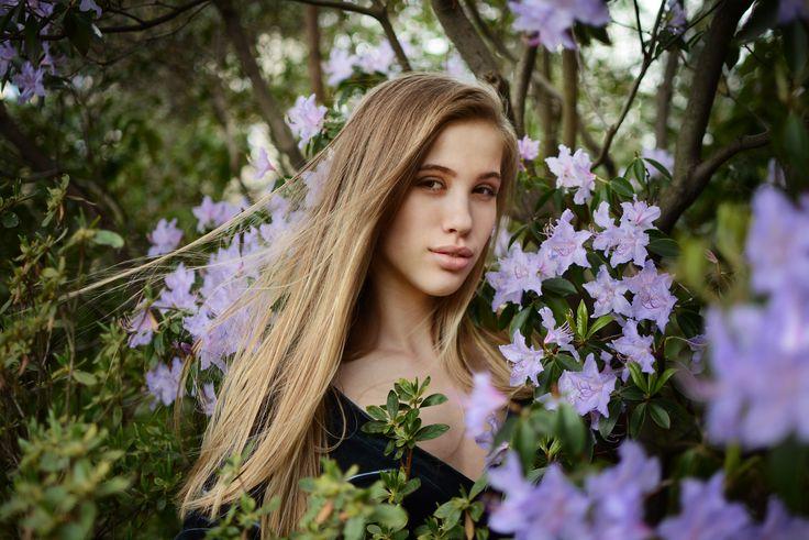 Adel - Flower girl