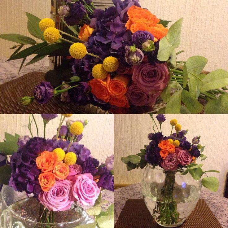"""Bouquet Wild """"Violeta profundo"""" con Hortensias en tonos morados, Rosas lila y naranja con craspedia en diferente altura. By Adriana Jardón  @adrianaj1287  #floraldesign2016"""
