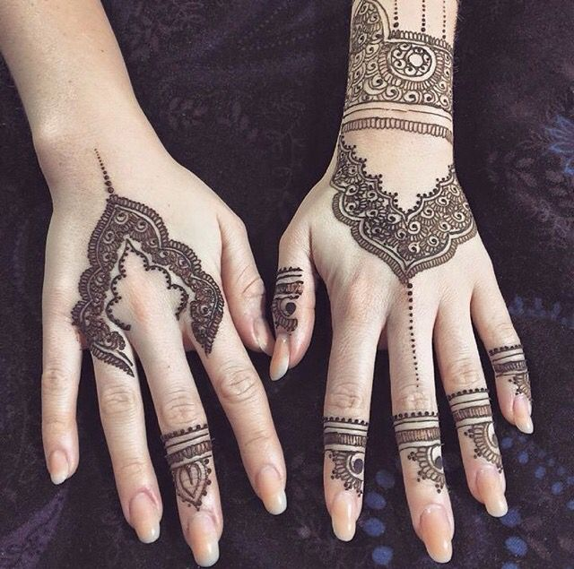 Henna Two Hands