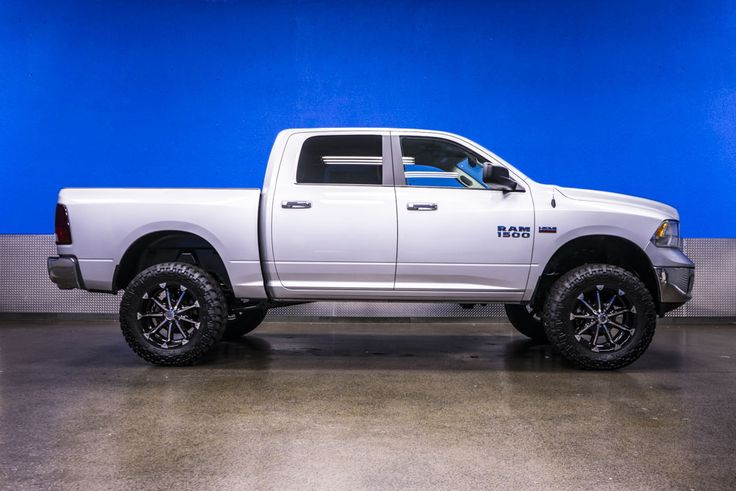 Gorgeous Half Ton 2014 Dodge Ram 1500 Slt 4x4 Truck For